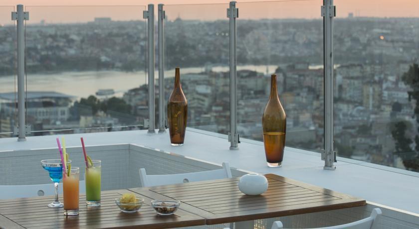 Actualidad Actualidad 7 hoteles ideales a los que puedes ir aunque ayer no te tocara ni la pedrea (por menos de 50 euros la noche)